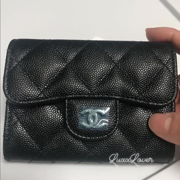 CHANEL Handbags - BNIB Auth 18C XL card case Mona Lisa back Pocket b5effd0d269c0